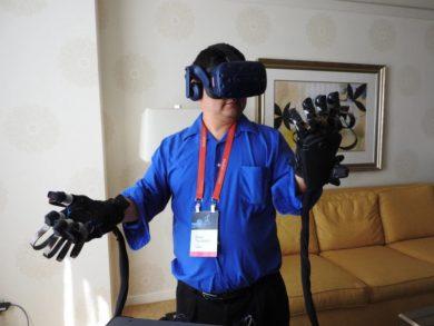 HaptX Gloves DK